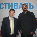 Переводчик со Стивеном Сигалом на Фестивале боевых искусств в Астане (28.06.15)