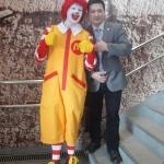 Переводчик на дне открытия McDonald's в Астане (08.03.16)