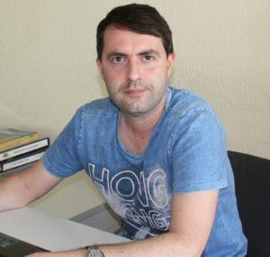 Дмитрий, переводчик английского языка